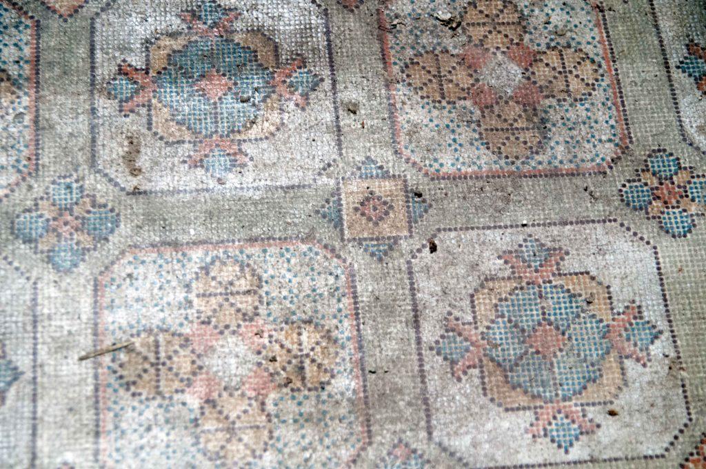 Floor-linoleum-Libanus-Chapel