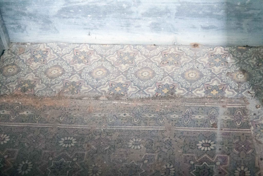 Floor-linoleum-Libanus-Chapel-2